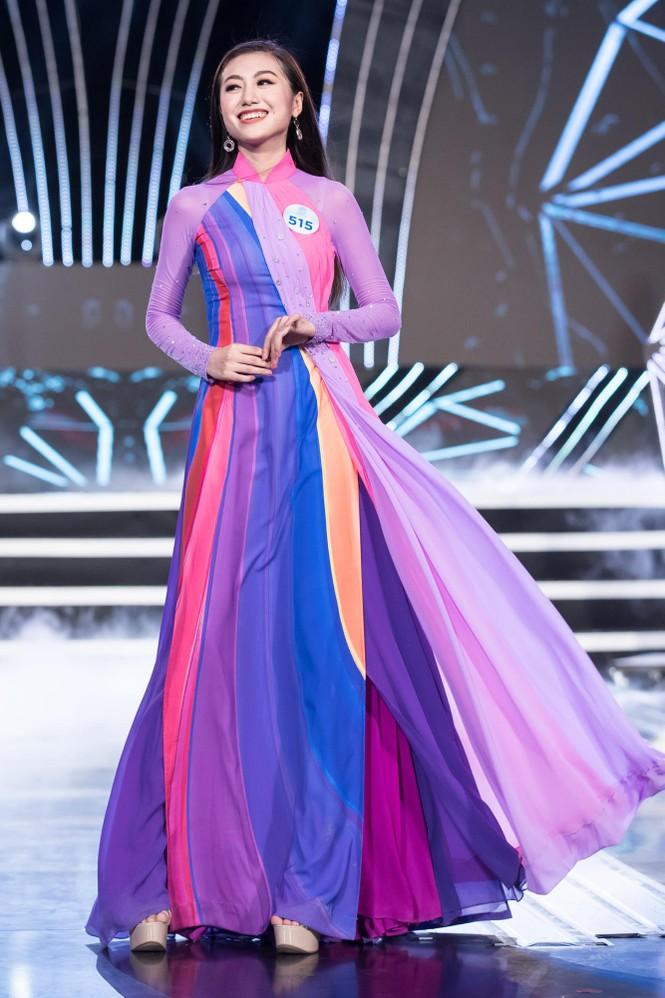 Thí sinh chung khảo phía Bắc Miss World VN khoe đường cong quyến rũ với áo dài - ảnh 10