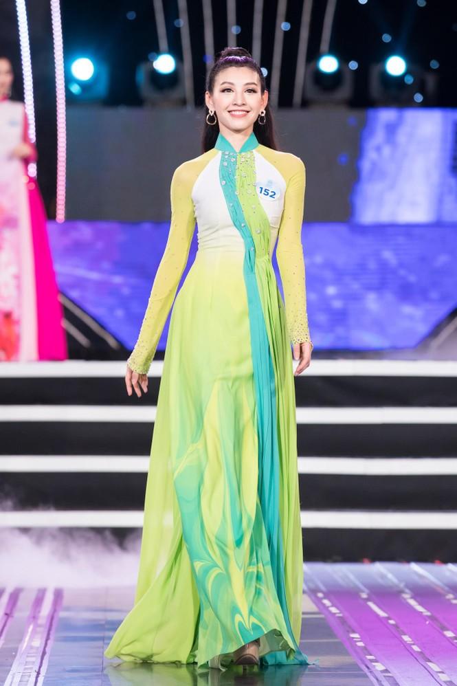 Thí sinh chung khảo phía Bắc Miss World VN khoe đường cong quyến rũ với áo dài - ảnh 6