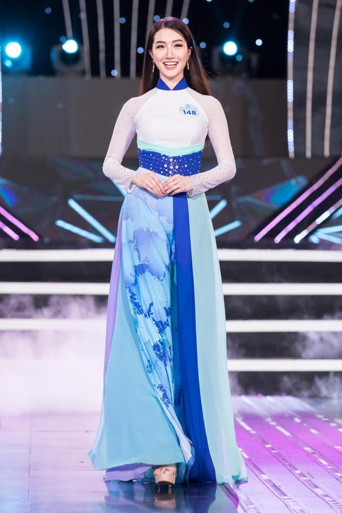 Thí sinh chung khảo phía Bắc Miss World VN khoe đường cong quyến rũ với áo dài - ảnh 5