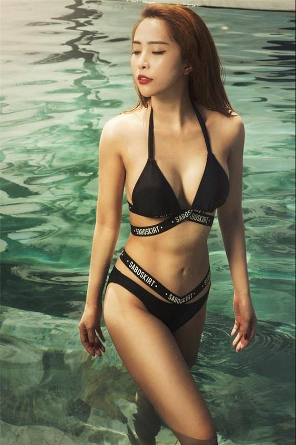 Diện bikini khoe vòng eo 55cm, Quỳnh Nga khiến fan dụi mắt vài lần - ảnh 3