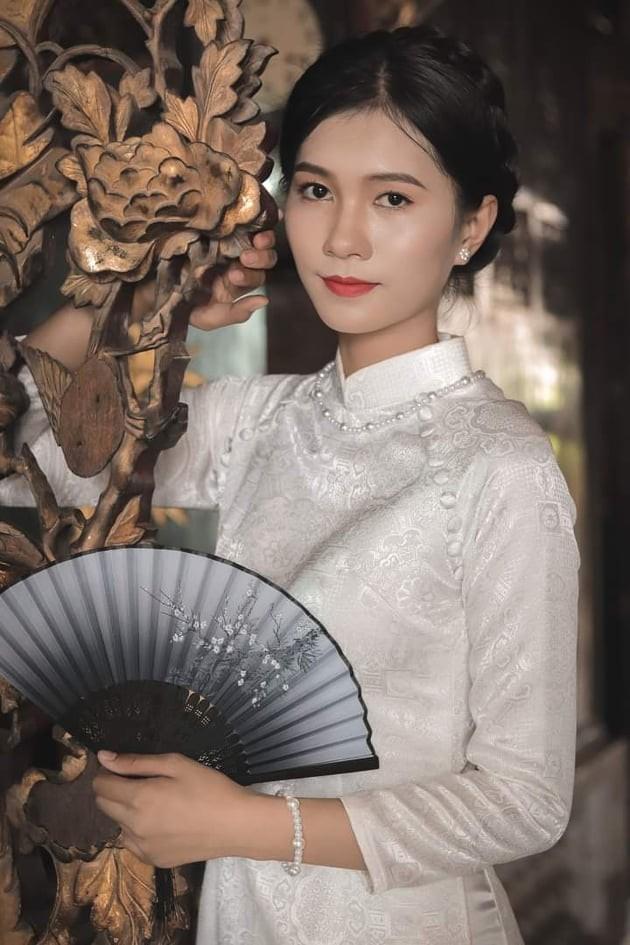 Nhan sắc đài các của cô gái 18 tuổi 'miền gái đẹp' thi Hoa hậu Việt Nam 2020  - ảnh 4