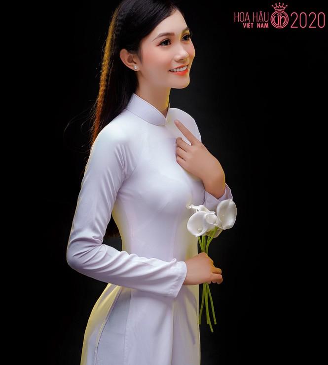Nhan sắc đài các của cô gái 18 tuổi 'miền gái đẹp' thi Hoa hậu Việt Nam 2020  - ảnh 2