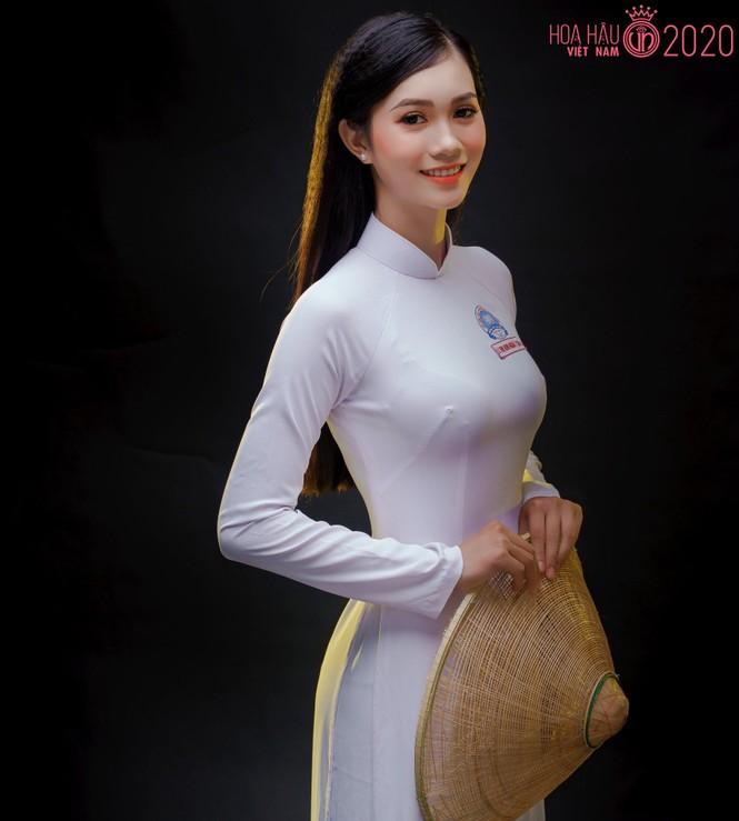 Nhan sắc đài các của cô gái 18 tuổi 'miền gái đẹp' thi Hoa hậu Việt Nam 2020  - ảnh 1