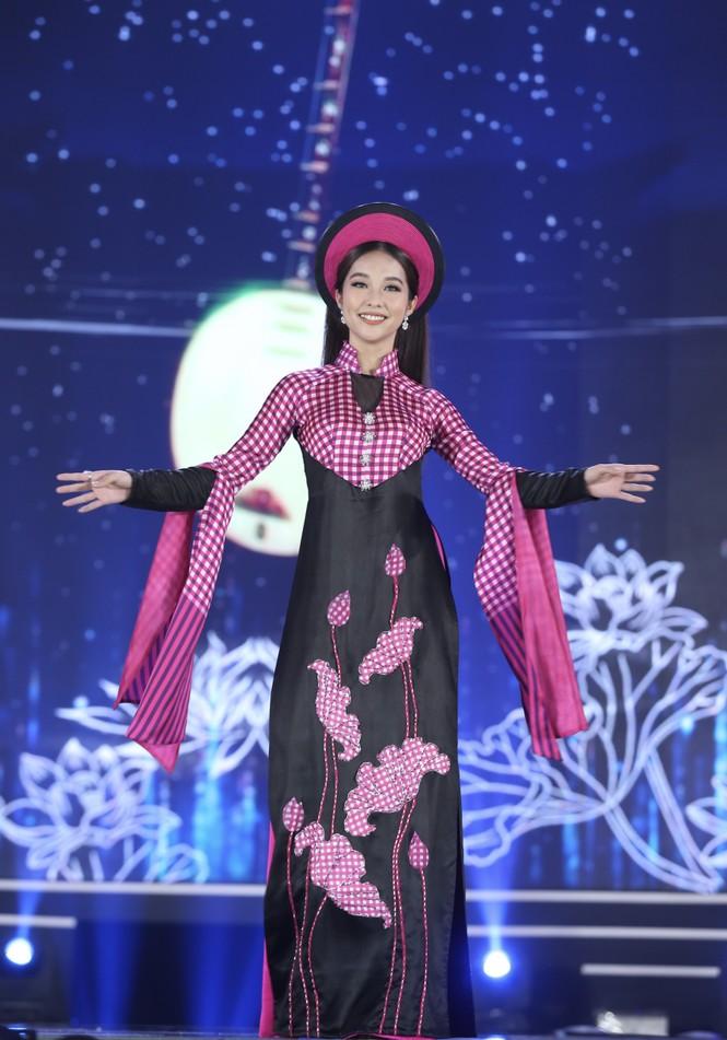 Top 35 khoe đường cong thể hình với áo dài tại Chung kết Hoa hậu Việt Nam 2020 - ảnh 8