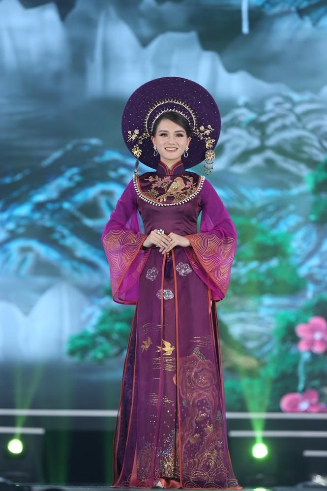 Top 35 khoe đường cong thể hình với áo dài tại Chung kết Hoa hậu Việt Nam 2020 - ảnh 15