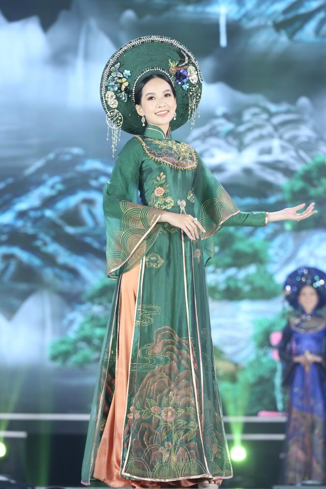 Top 35 khoe đường cong thể hình với áo dài tại Chung kết Hoa hậu Việt Nam 2020 - ảnh 16