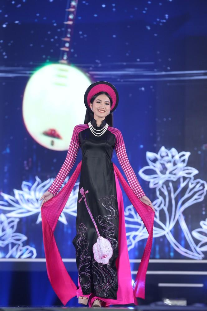 Top 35 khoe đường cong thể hình với áo dài tại Chung kết Hoa hậu Việt Nam 2020 - ảnh 12