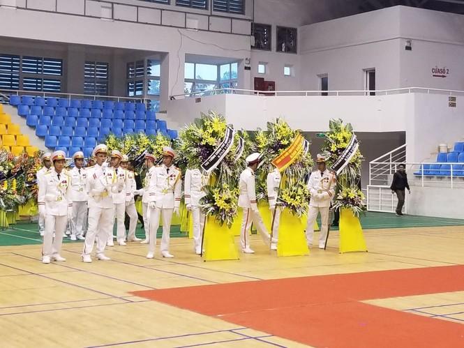 Rưng rưng lễ tang 22 chiến sĩ hy sinh tại Quảng Trị - ảnh 34