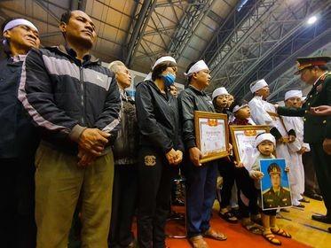 Rưng rưng lễ tang 22 chiến sĩ hy sinh tại Quảng Trị - ảnh 31