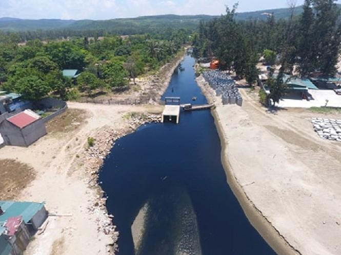 Hồ tôm xả thải gây ô nhiễm nghiêm trọng, người dân trình đơn kêu cứu - ảnh 5