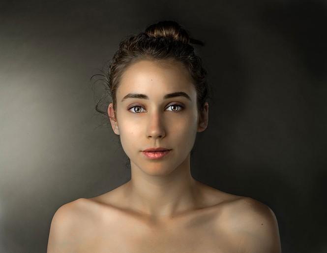 Ngắm nhan sắc phụ nữ các nước qua cùng một gương mặt - ảnh 10