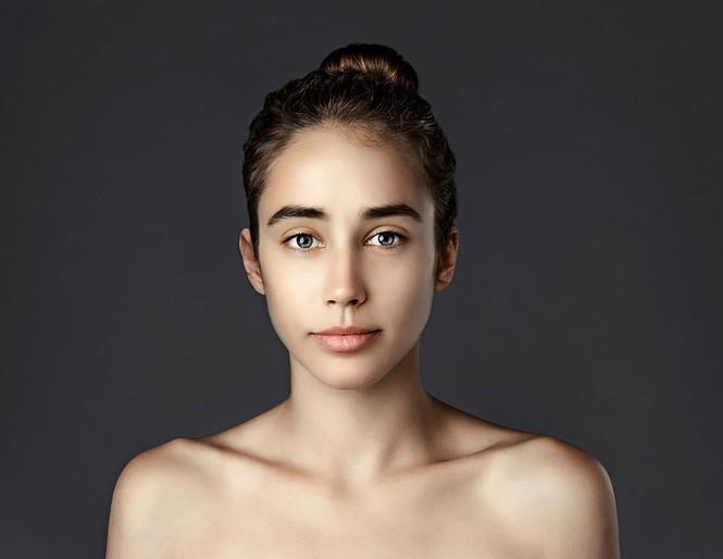 Ngắm nhan sắc phụ nữ các nước qua cùng một gương mặt - ảnh 12