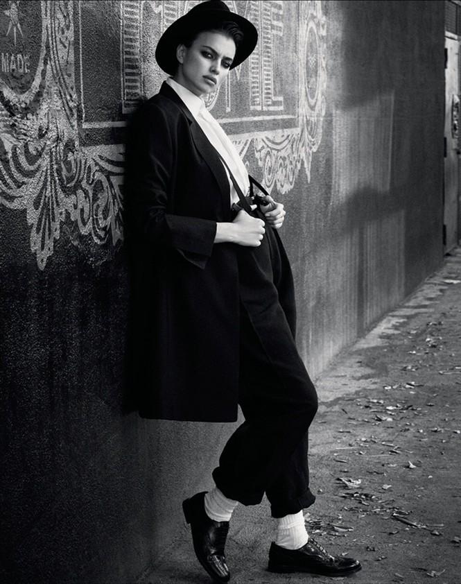 Mỹ nhân Nga Irina Shayk khác lạ với style quý ông - ảnh 12