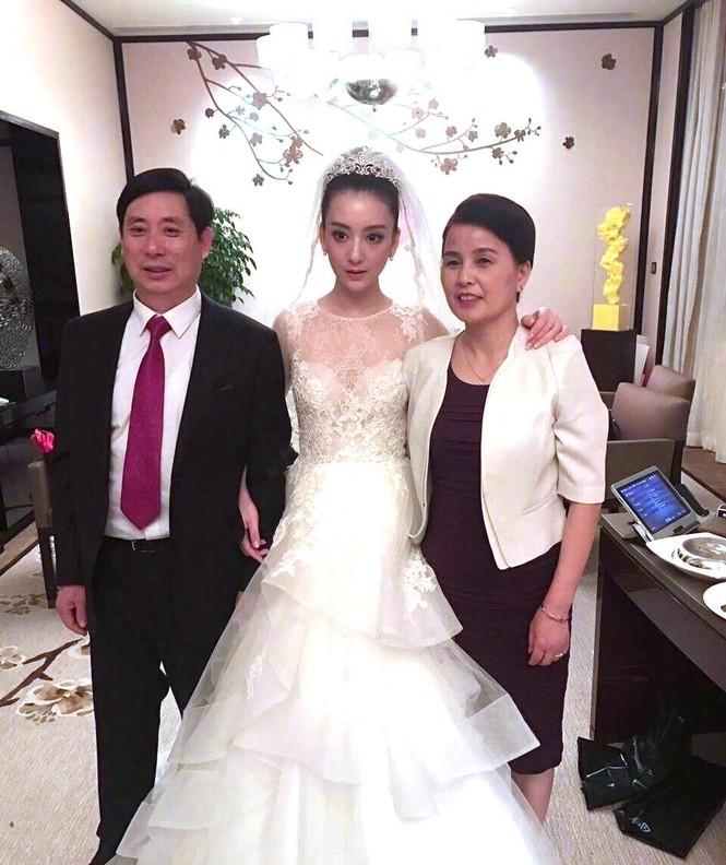 Chú rể Quách Phú Thành bảnh bao trong lễ cưới - ảnh 4