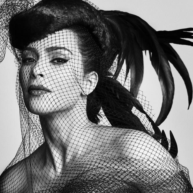 Kim Kardashian 'o ép vòng một', quyến rũ với đường cong tròn đầy - ảnh 7