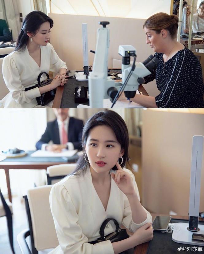 Lưu Diệc Phi 'đốn tim' fan bởi nhan sắc trong veo nền nã - ảnh 9