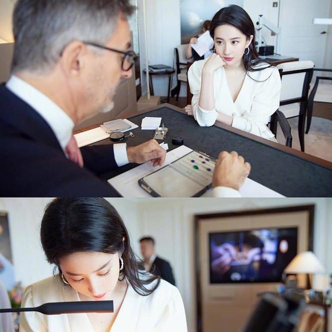 Lưu Diệc Phi 'đốn tim' fan bởi nhan sắc trong veo nền nã - ảnh 8