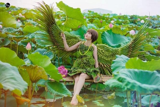 Độc đáo loạt ảnh sen với bộ váy hoàn toàn bằng lá cây - ảnh 1