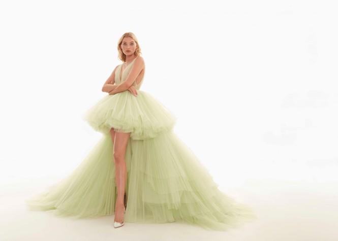 Elsa Hosk yêu kiều gợi cảm như công chúa - ảnh 5