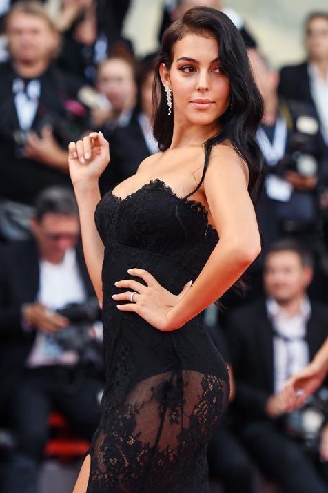 Georgina Rodriguez tiết lộ tình yêu sét đánh và bí quyết quyến rũ Ronaldo - ảnh 2