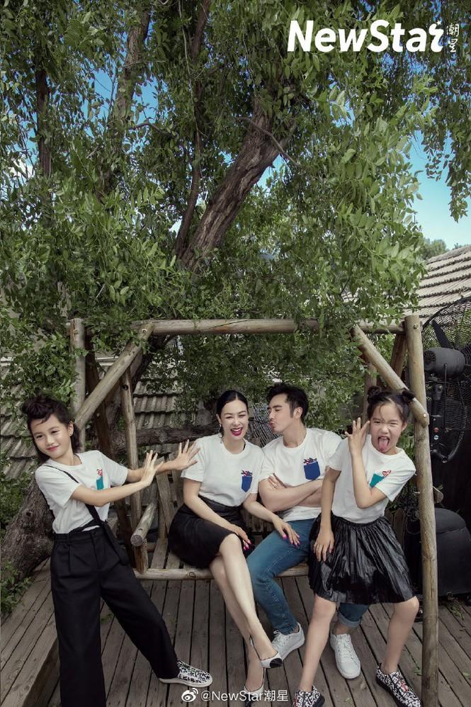 Nhan sắc mặn mà rực lửa của 'biểu tượng gợi cảm gốc Việt' Chung Lệ Đề - ảnh 20