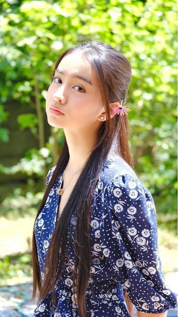 Vẻ đẹp trong veo như nàng thơ của người mẫu 17 tuổi Nhật Bản - ảnh 2