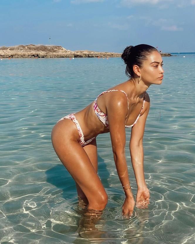Ánh nude đen trắng đậm chất nghệ thuật của người mẫu Shanina Shaik - ảnh 6