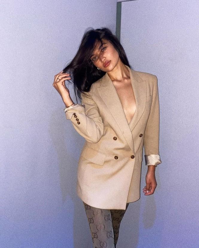 Ánh nude đen trắng đậm chất nghệ thuật của người mẫu Shanina Shaik - ảnh 7