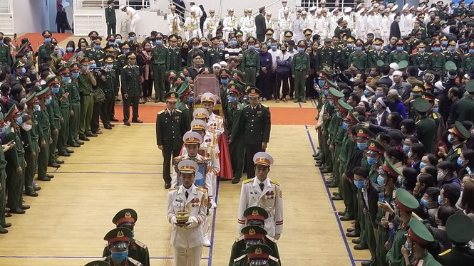 Rưng rưng lễ tang 22 chiến sĩ hy sinh tại Quảng Trị - ảnh 4