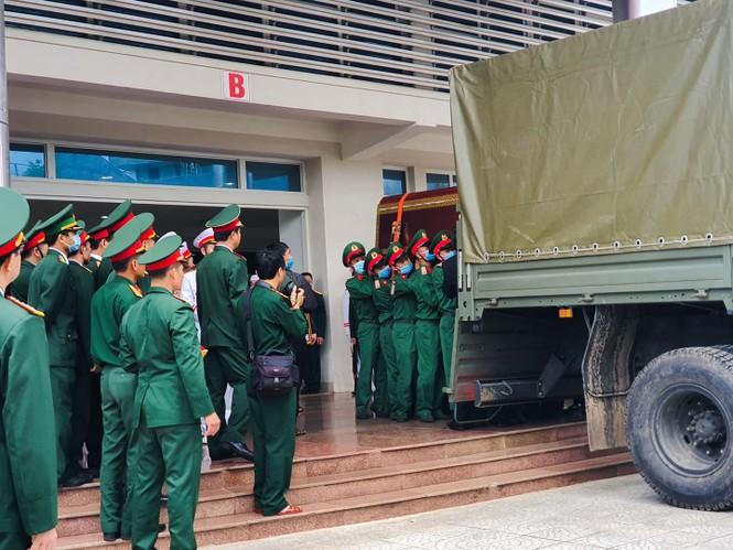 Rưng rưng lễ tang 22 chiến sĩ hy sinh tại Quảng Trị - ảnh 2