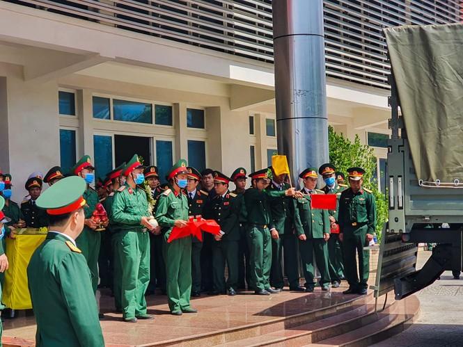 Rưng rưng lễ tang 22 chiến sĩ hy sinh tại Quảng Trị - ảnh 3