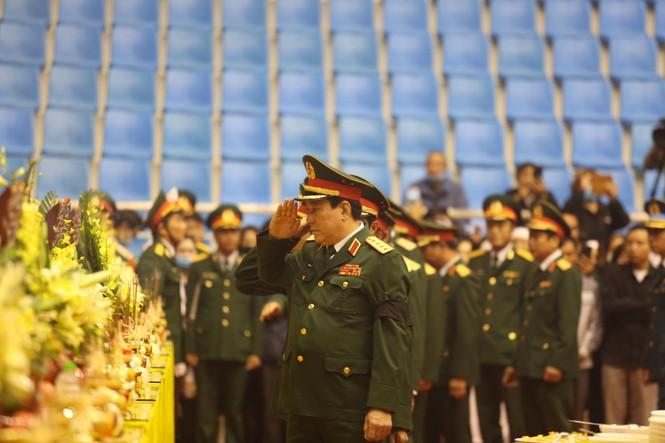 Rưng rưng lễ tang 22 chiến sĩ hy sinh tại Quảng Trị - ảnh 19