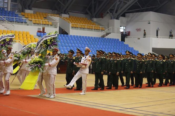 Rưng rưng lễ tang 22 chiến sĩ hy sinh tại Quảng Trị - ảnh 17