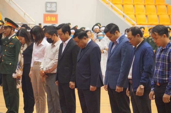 Rưng rưng lễ tang 22 chiến sĩ hy sinh tại Quảng Trị - ảnh 16