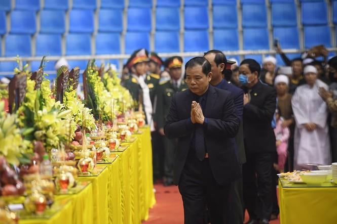 Rưng rưng lễ tang 22 chiến sĩ hy sinh tại Quảng Trị - ảnh 13