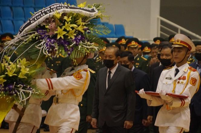 Rưng rưng lễ tang 22 chiến sĩ hy sinh tại Quảng Trị - ảnh 22