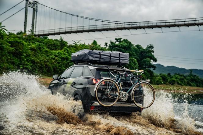 Tạp chí xe của Anh chạy thử Peugeot 3008 độ ở Việt Nam - ảnh 6