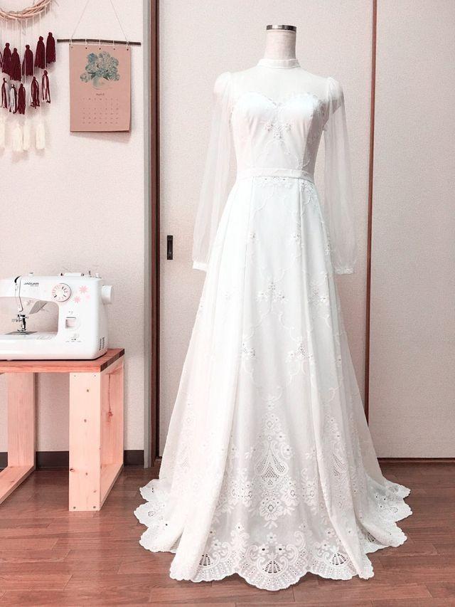 Cô gái xinh xắn dành 3 tháng tự tay may váy cưới gây 'sốt' mạng - ảnh 1