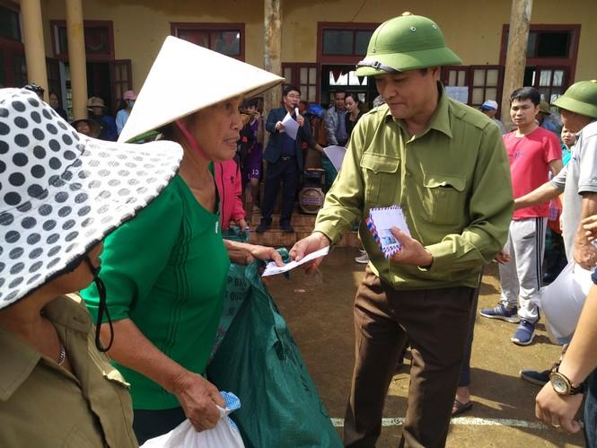 Báo Xây dựng chung tay hỗ trợ đồng bào miền Trung bị thiệt hại do mưa lũ - ảnh 4