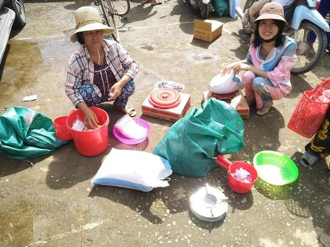 Báo Xây dựng chung tay hỗ trợ đồng bào miền Trung bị thiệt hại do mưa lũ - ảnh 6