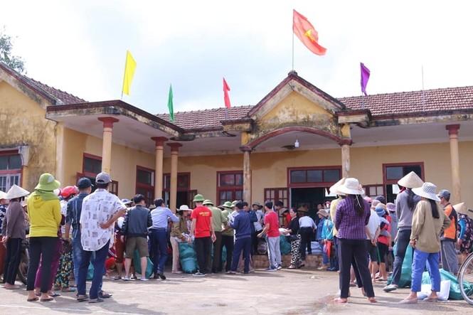 Báo Xây dựng chung tay hỗ trợ đồng bào miền Trung bị thiệt hại do mưa lũ - ảnh 7