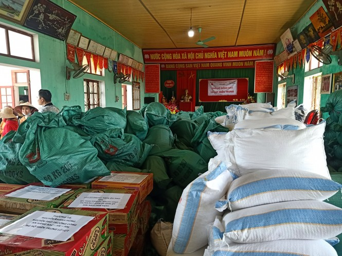 Báo Xây dựng chung tay hỗ trợ đồng bào miền Trung bị thiệt hại do mưa lũ - ảnh 10