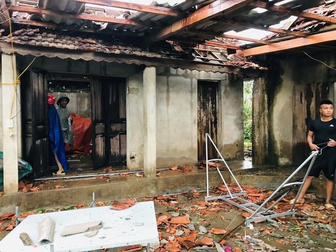 Lốc xoáy làm tốc mái 40 căn nhà - ảnh 5