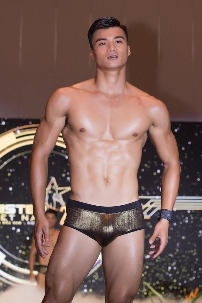 'Nhức mắt' với body chuẩn 6 múi của các thí sinh Mister Việt Nam 2019 - ảnh 15