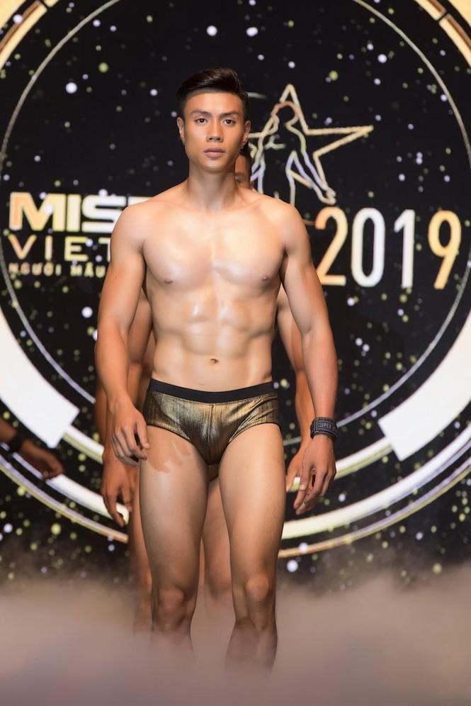 'Nhức mắt' với body chuẩn 6 múi của các thí sinh Mister Việt Nam 2019 - ảnh 16