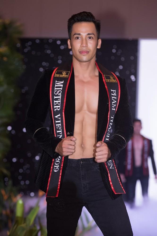 'Nhức mắt' với body chuẩn 6 múi của các thí sinh Mister Việt Nam 2019 - ảnh 4