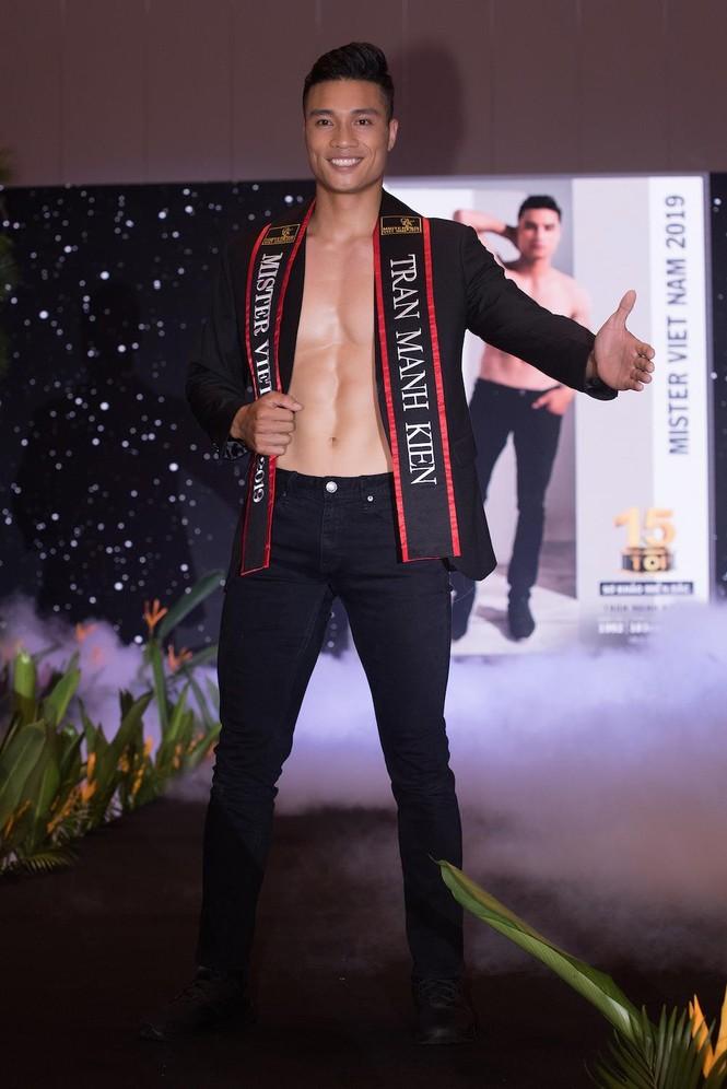 'Nhức mắt' với body chuẩn 6 múi của các thí sinh Mister Việt Nam 2019 - ảnh 5