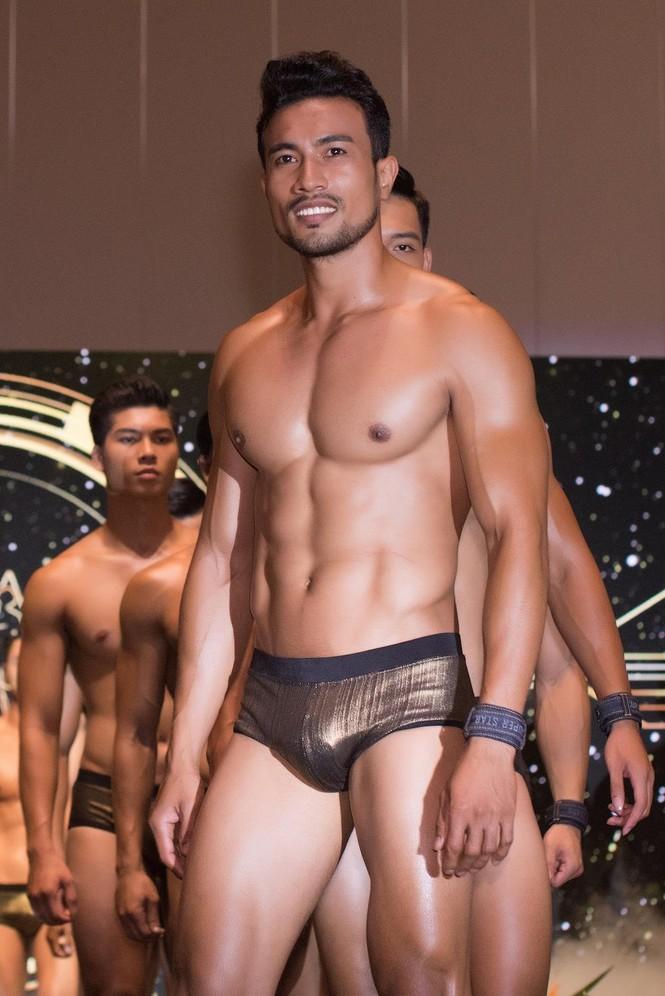 'Nhức mắt' với body chuẩn 6 múi của các thí sinh Mister Việt Nam 2019 - ảnh 9