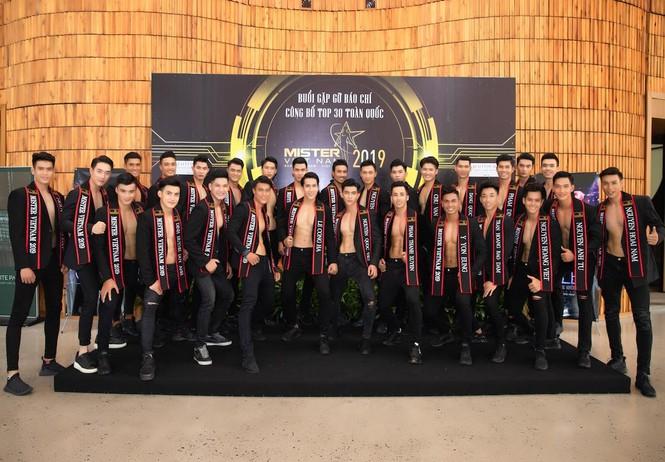 'Nhức mắt' với body chuẩn 6 múi của các thí sinh Mister Việt Nam 2019 - ảnh 7