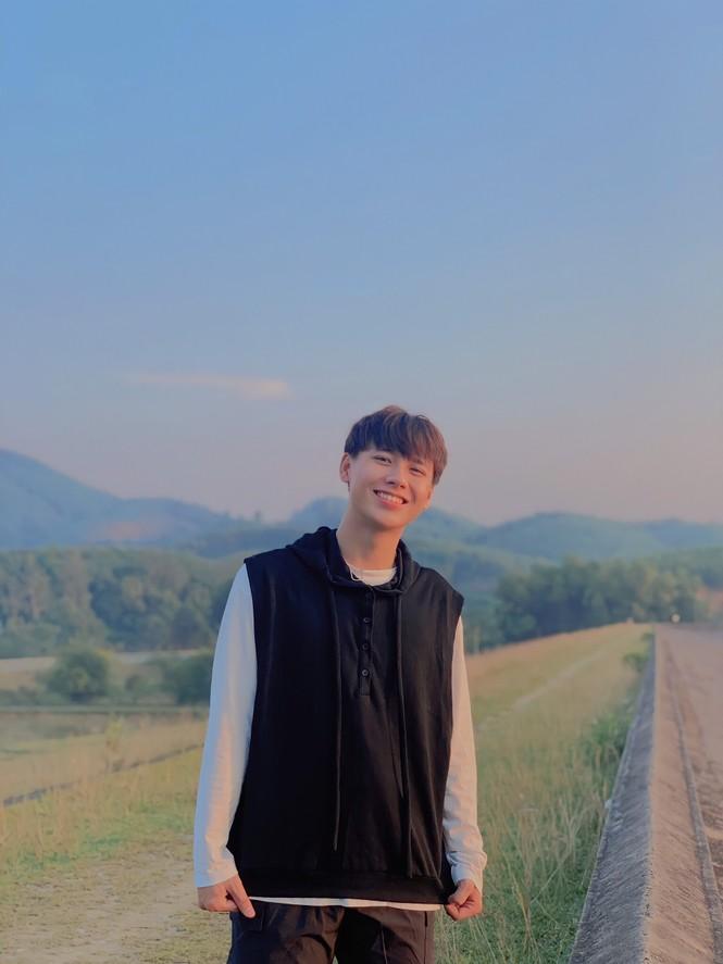 Chàng trai cao 1m75, quê ở Nghệ An hiếu học nổi danh trên mạng xã hội - ảnh 1